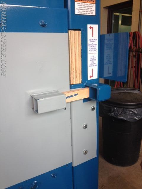 Lmfd Receives Forcible Entry Door Simulator Mohegan Volunteer Fire